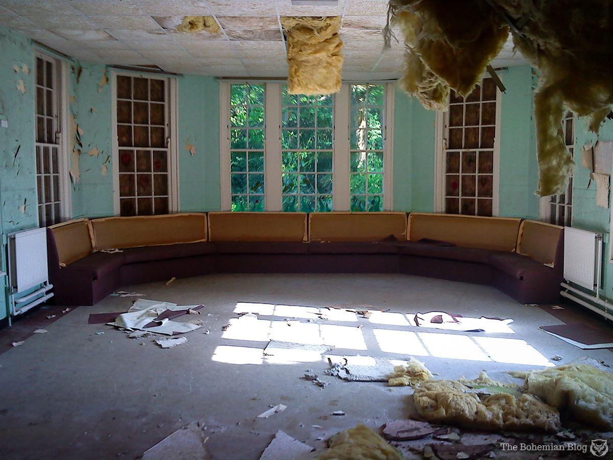 Inside An Abandoned Mental Hospital Ex Utopia