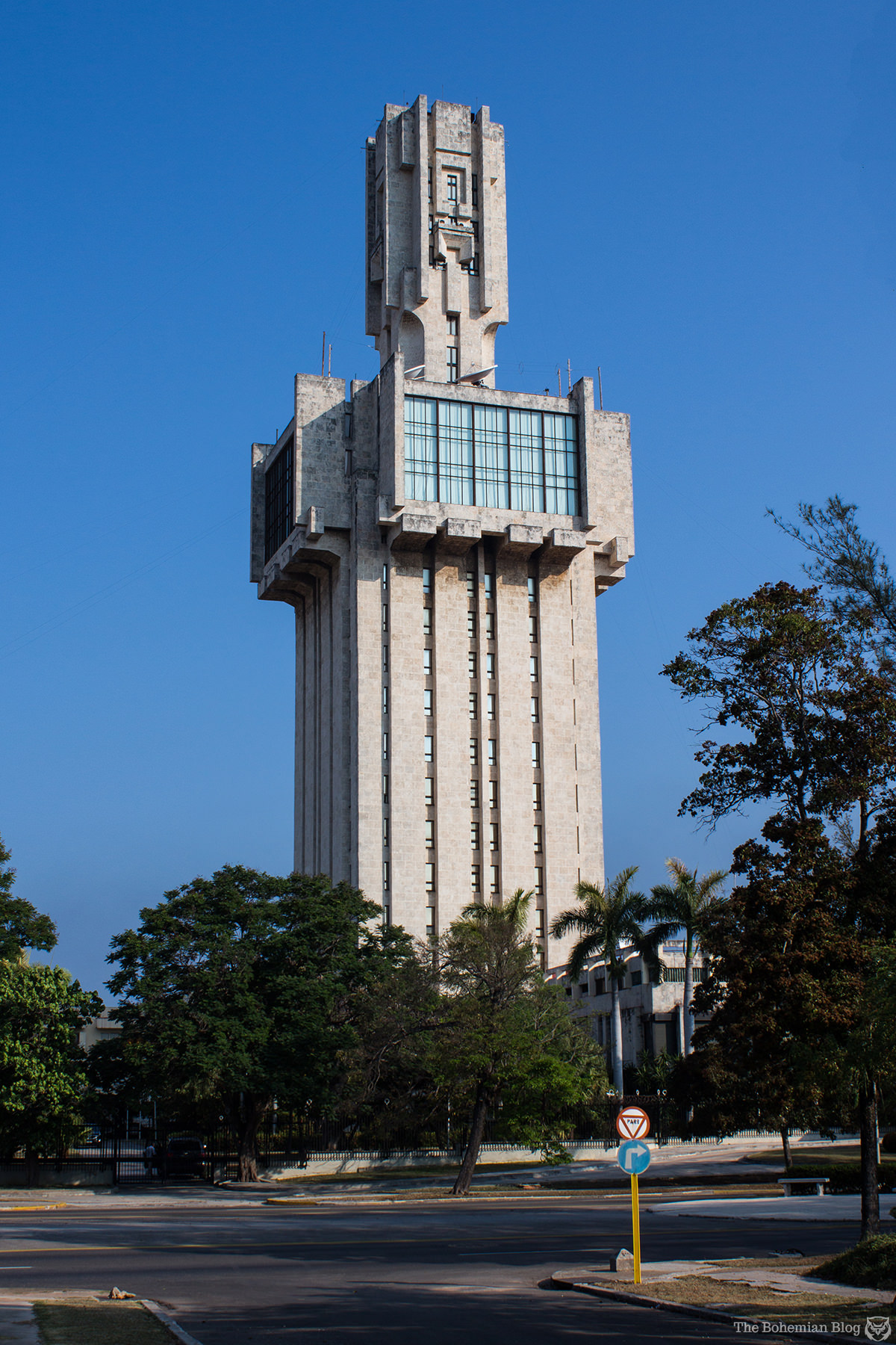 The Russian Embassy in Havana. Architect: Aleksandr Rochegov, 1985.