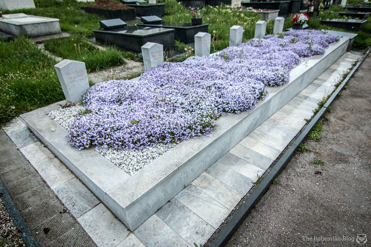 A mass grave: six victims caught in an explosion were buried together.