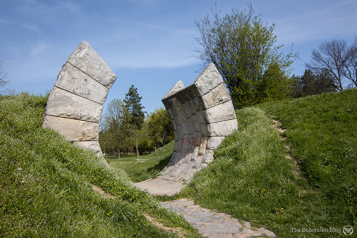 'Gates of Death': <em>Slobodište Memorial Park</em> at Kruševac, Serbia (Bogdan Bogdanović, 1965).