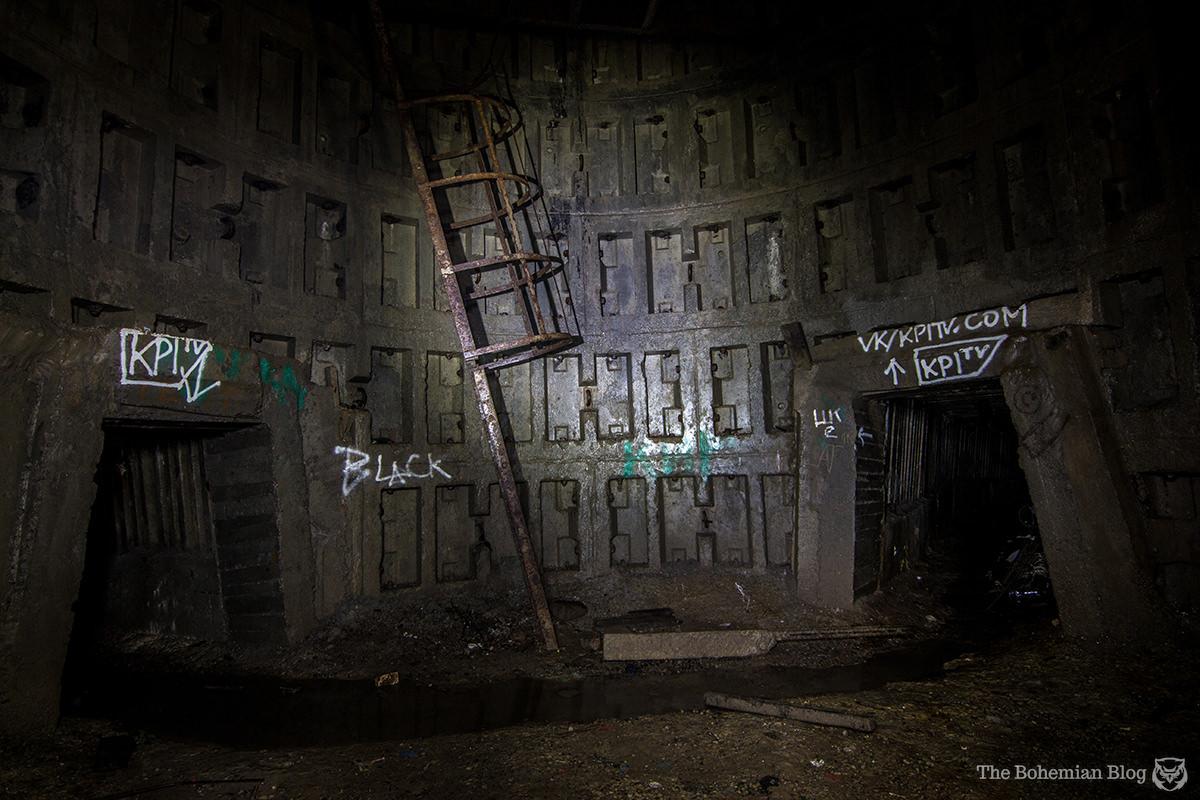 Ladders, shafts and corridors in Askoldova Drain, Kyiv.