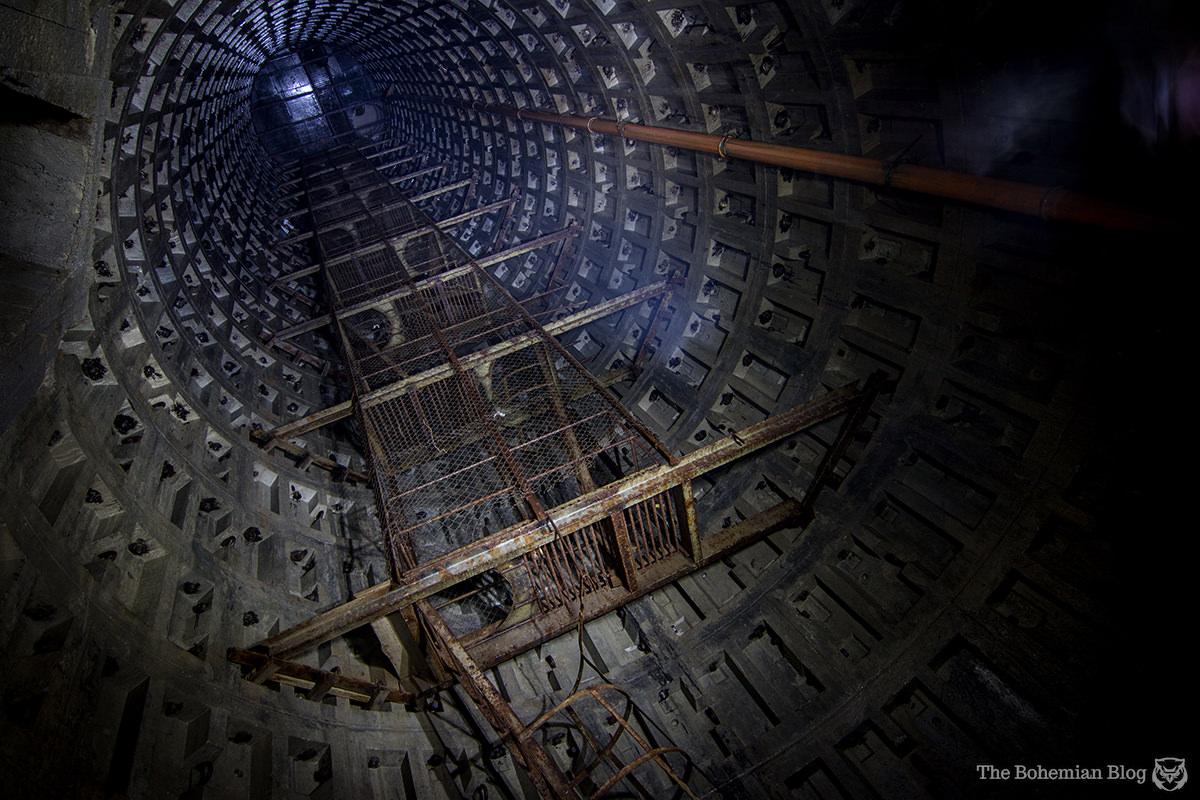 Kiev Underground-Askoldova Drain-2