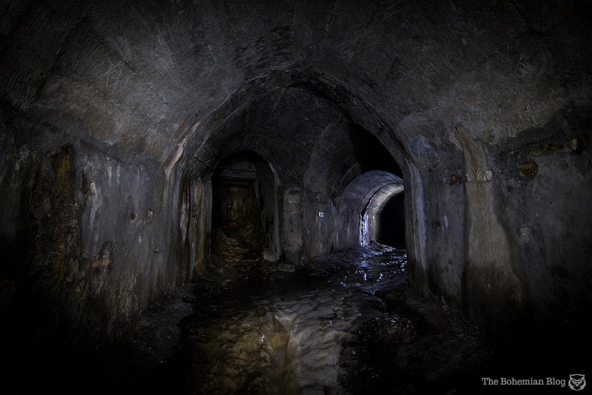 Subterranean junction. Nikolskaya Drain, Kyiv.