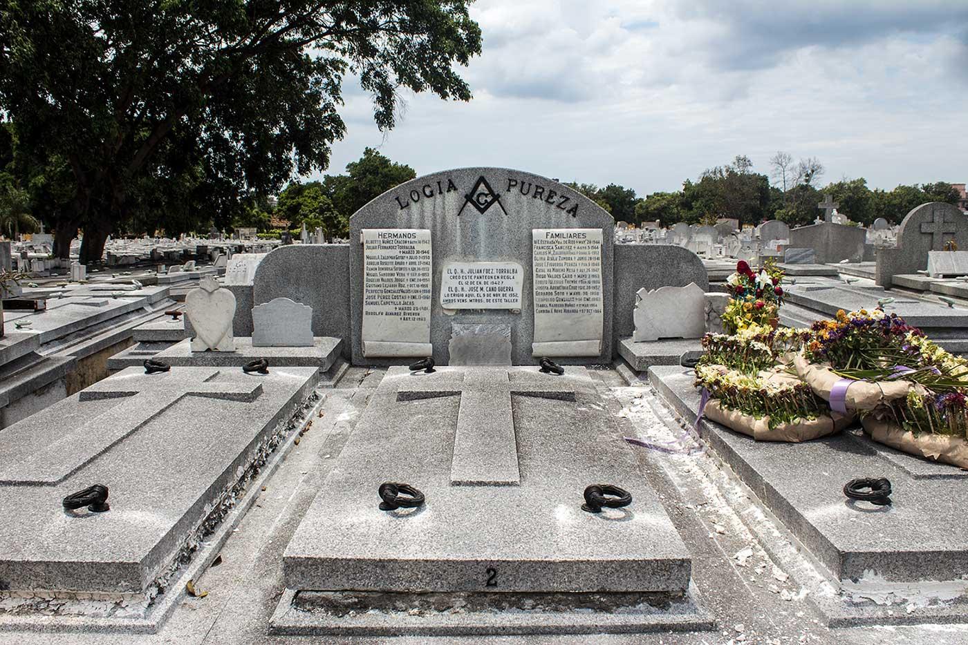 Memorial plot for 'Logia Pureza': Necrópolis Cristóbal Colón, Havana, Cuba.