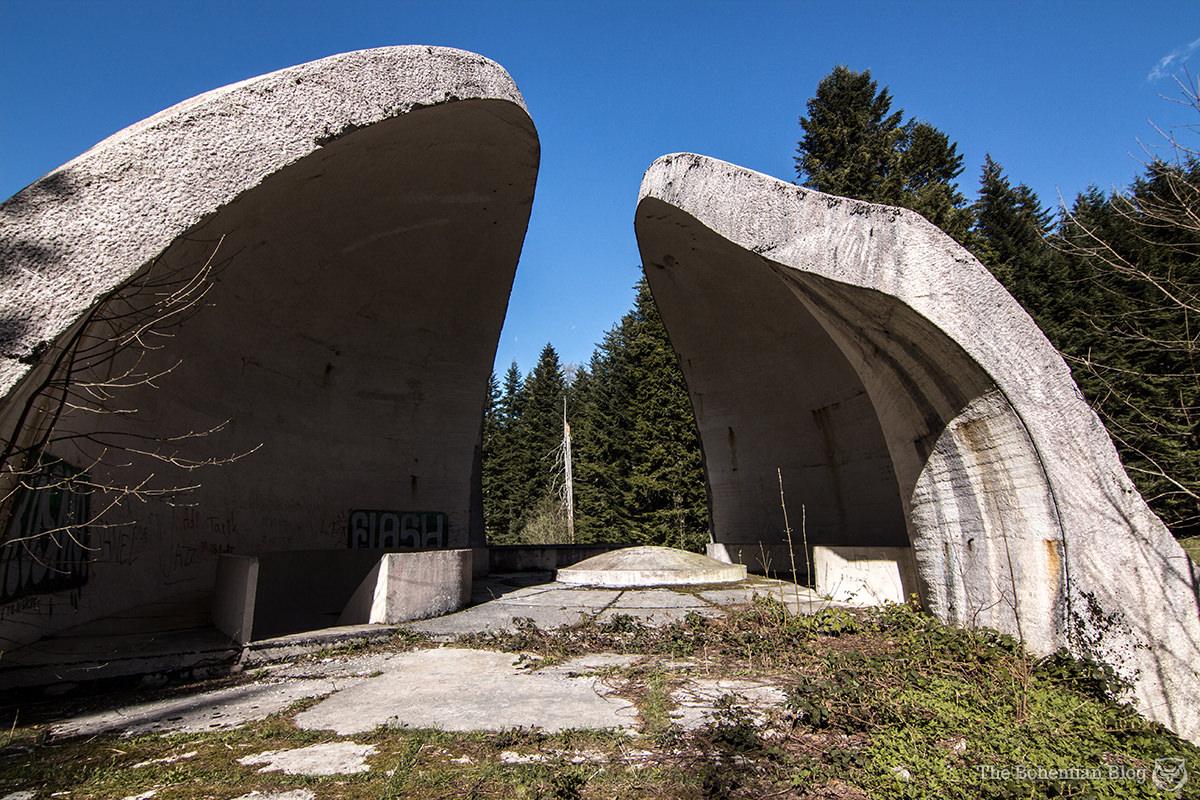 The Grmeč flower memorial, seen from the southwest.