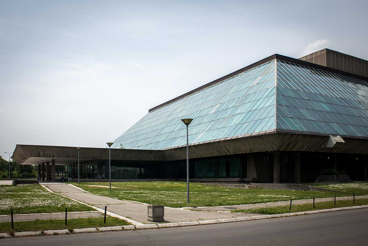 Entrance to the Sava Centre in New Belgrade, Serbia (Stojan Maksimović, 1976-79).