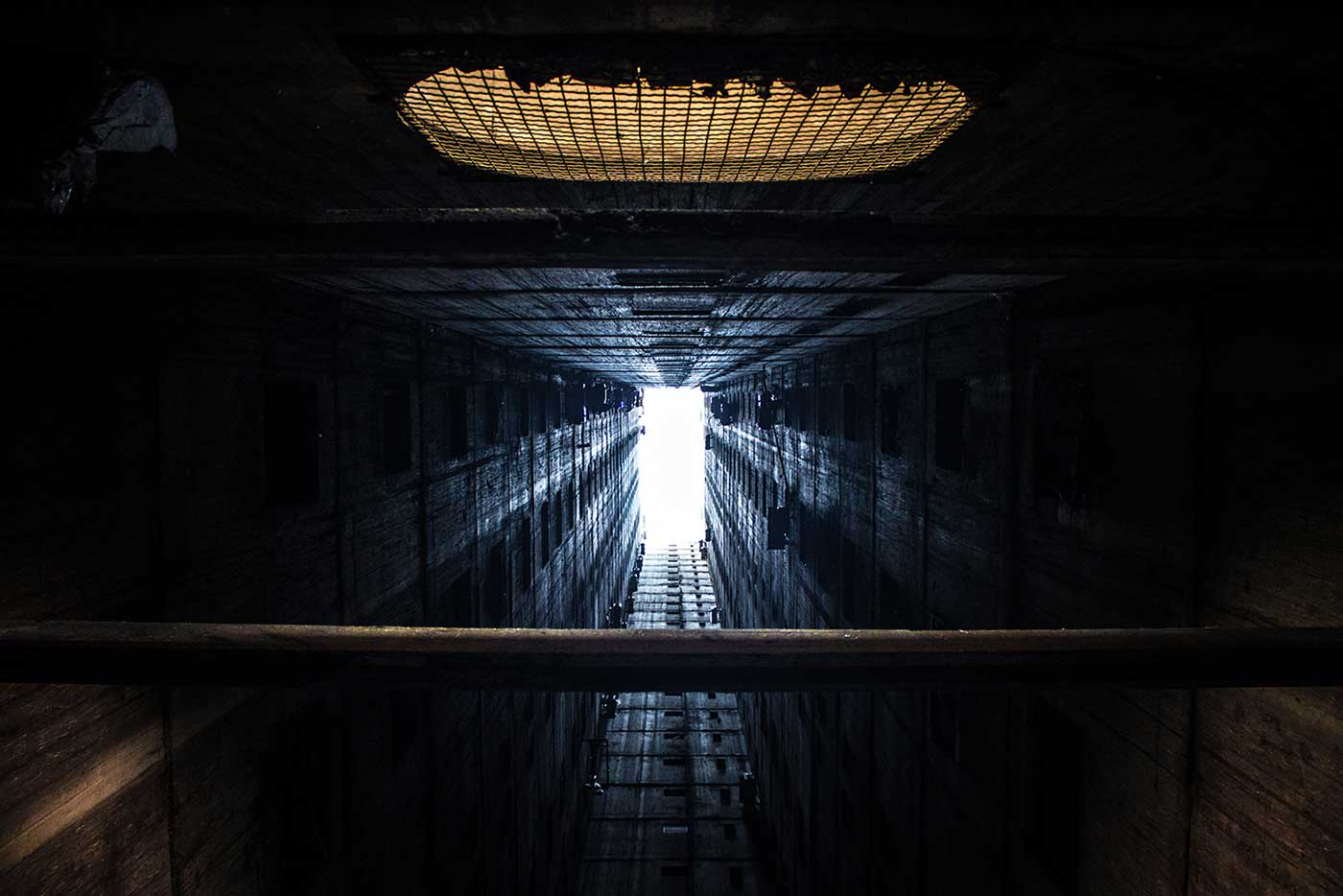 At the heart of the Genex Tower, a ventilation shaft reaches all the way up to the sky.