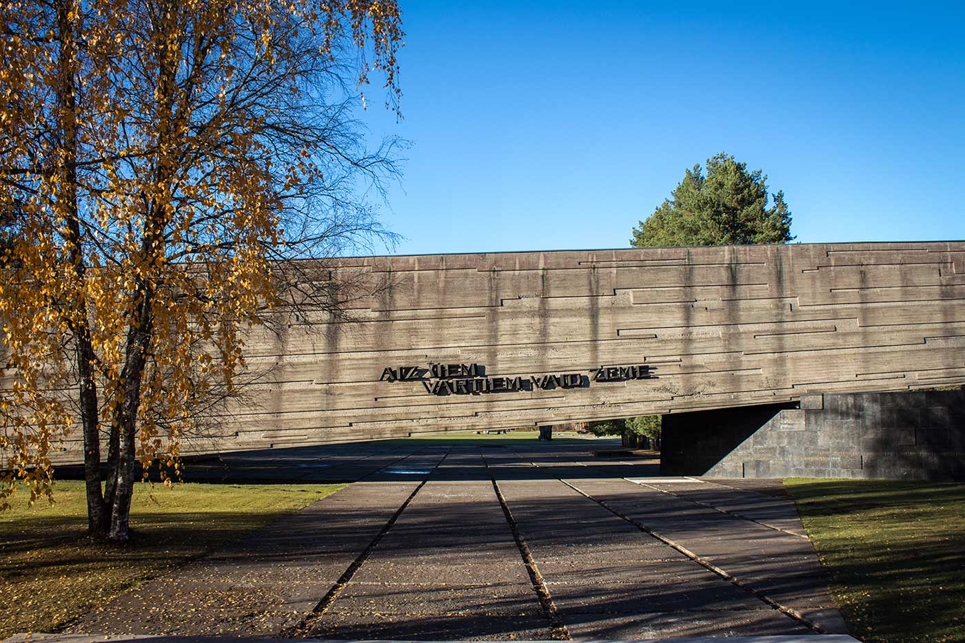 The gallery building, a Brutalist structuremeasuring 100 metres long by 12.5 metres high. Salaspils Memorial, Latvia.
