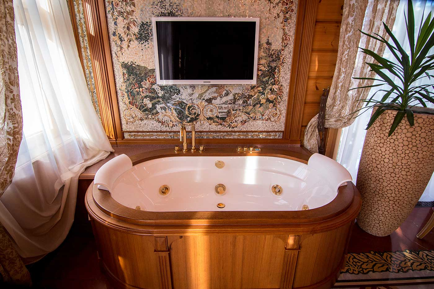 Yanukovych's private ensuite bathroom. Mezhyhirya, Ukraine.