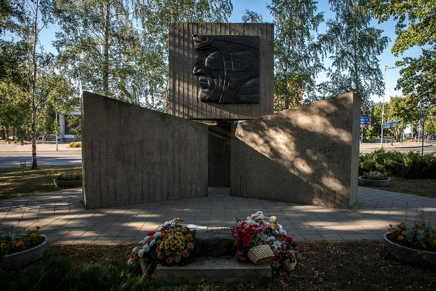 Fresh flowers decorate this Soviet memorial site.