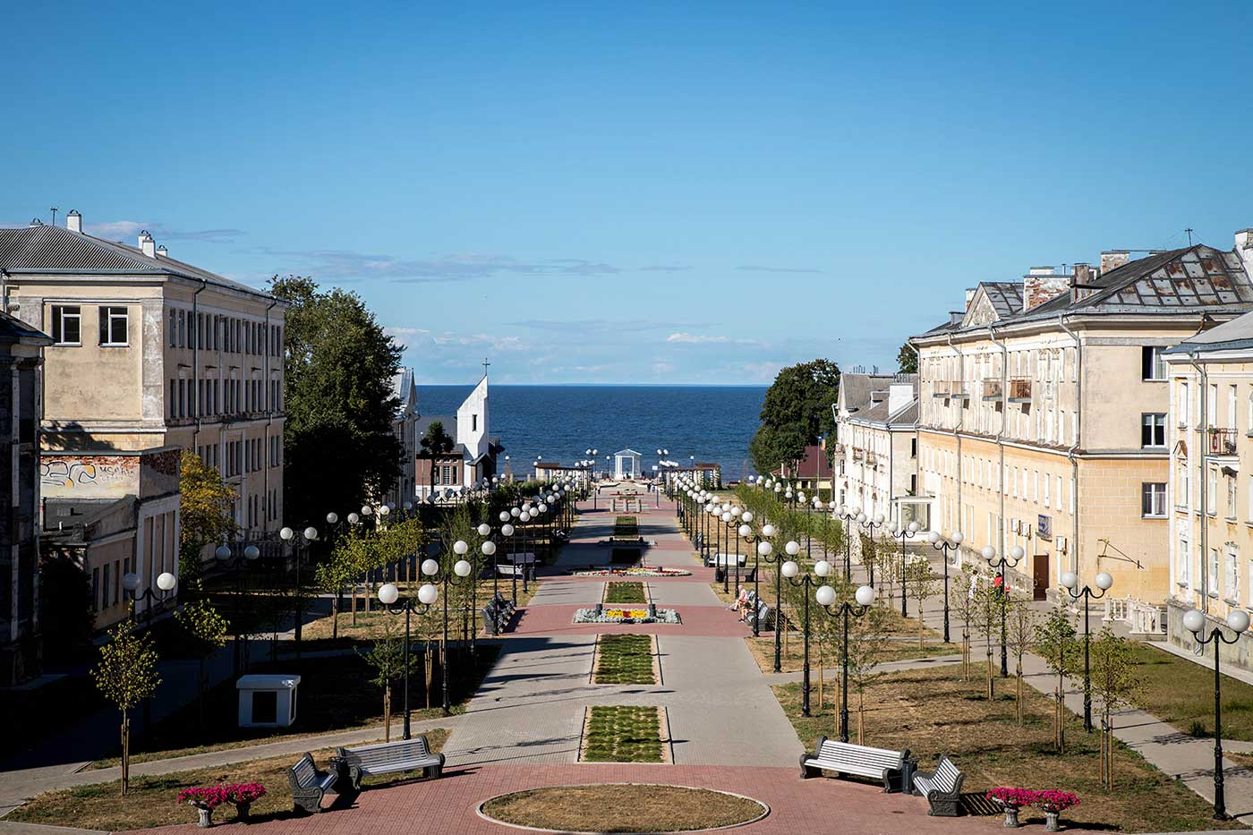 The view down the pedestrianised Marine Boulevard in Sillamäe.