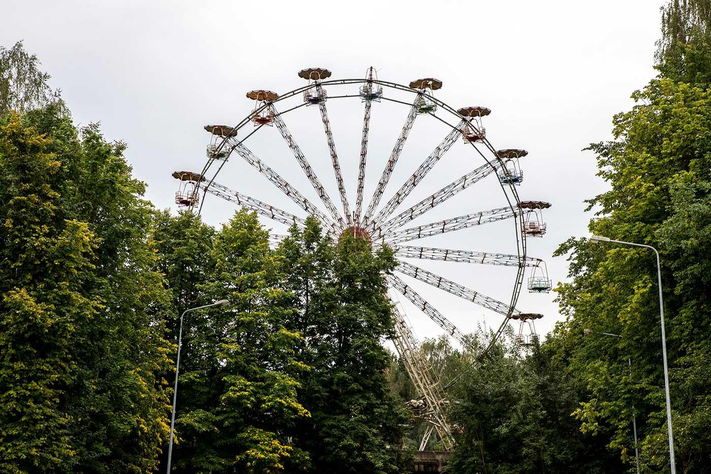 The Ferris wheel at Elektrėnai has been destroyed since these photographs were taken. Elektrėnai, Lithuania.