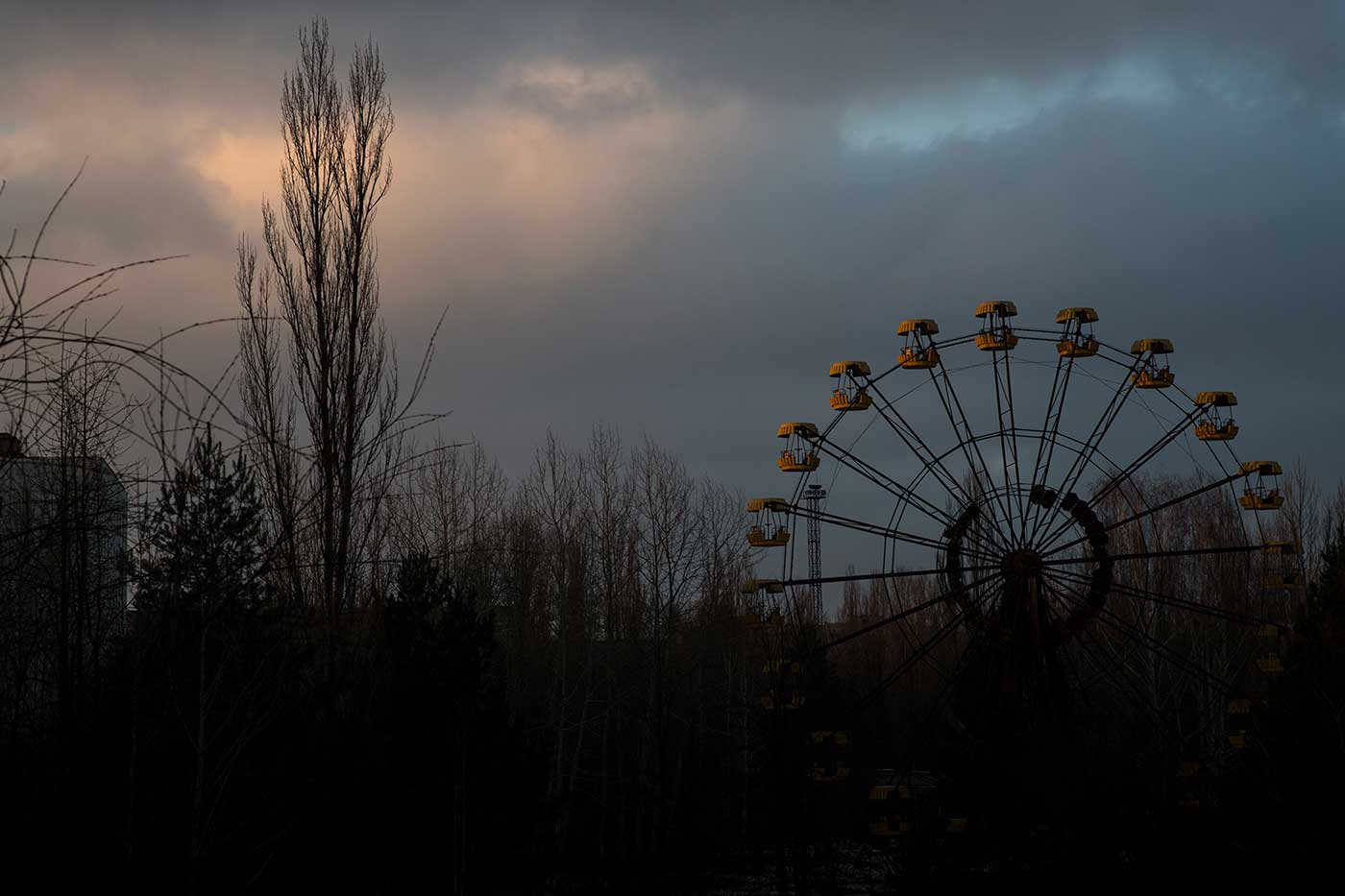 The Ferris wheel in Pripyat, at dusk.
